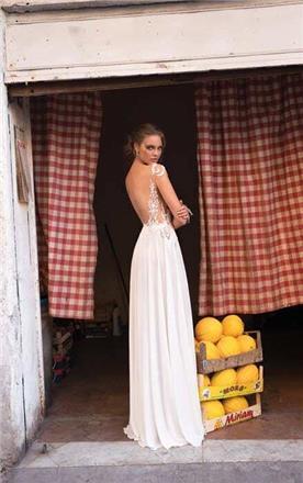 שמלה בעיצוב עדין גב חשוף