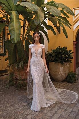 שמלת כלה עם גלימה