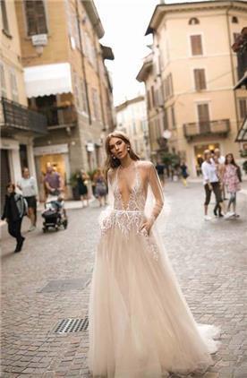 שמלת כלה עם שרוול קצר