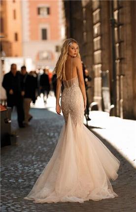 שמלת כלה רומנטית עם טול