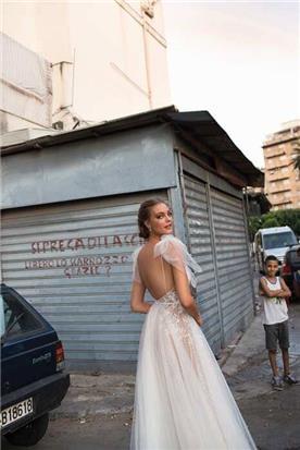 שמלת כלה מעוצבת  גב חשוף