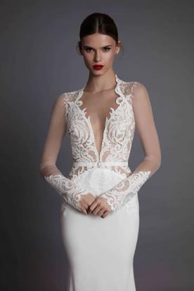 שמלת כלה עם חגורת מותן