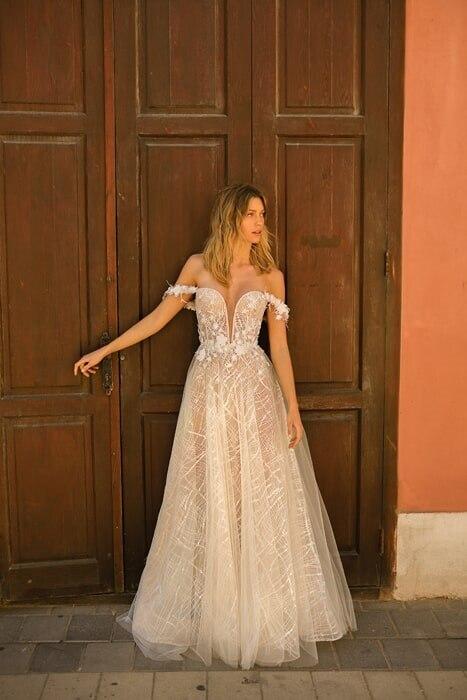 שמלת כלה שרוולים נופלים