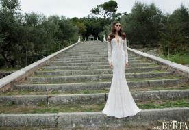 שמלת כלה רומנטית עם מחשוף