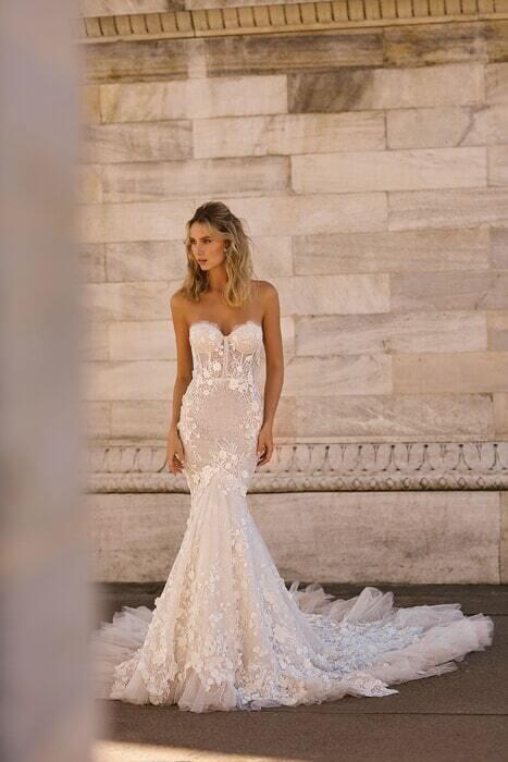 שמלות עם חרוזים