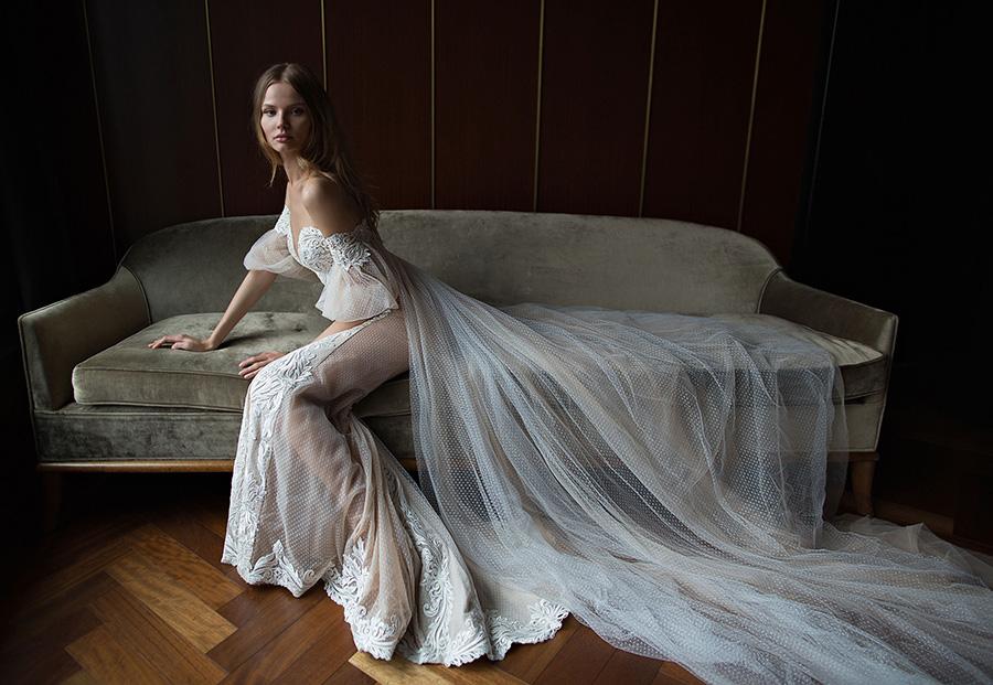 שמלת כלה שובל טול מנוקד