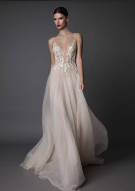 שמלת כלה בשילוב טול ותחרה