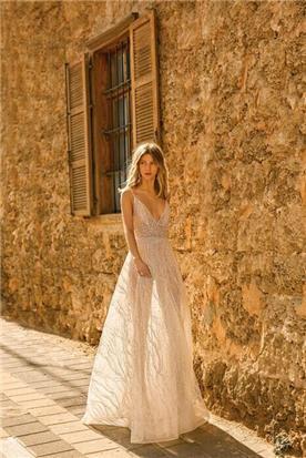 שמלת כלה בתפירת הוט קוטור