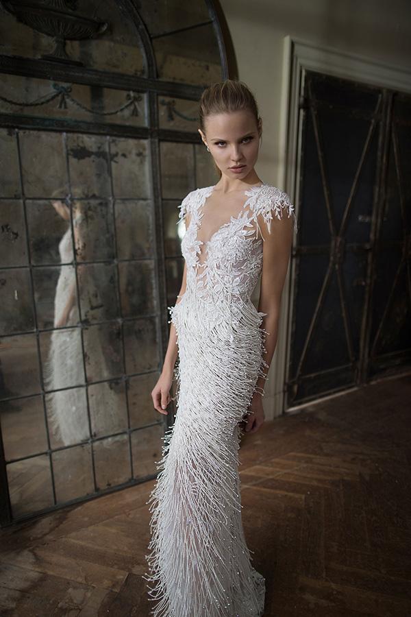 שמלת כלה עם פרנזים מחרוזים ותחרה