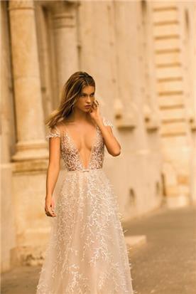שמלות ערב בגזרת בת הים