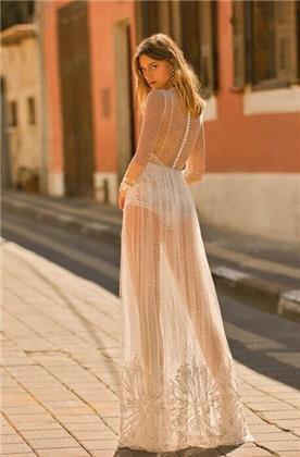 שמלת כלה גב כפתורים