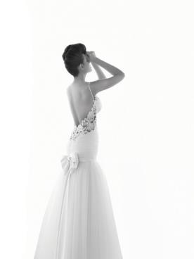 שמלת כלה פפיון גזרה נמוכה