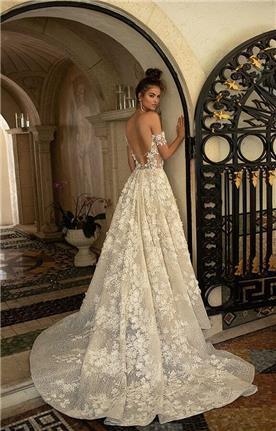 שמלה עם צווארון