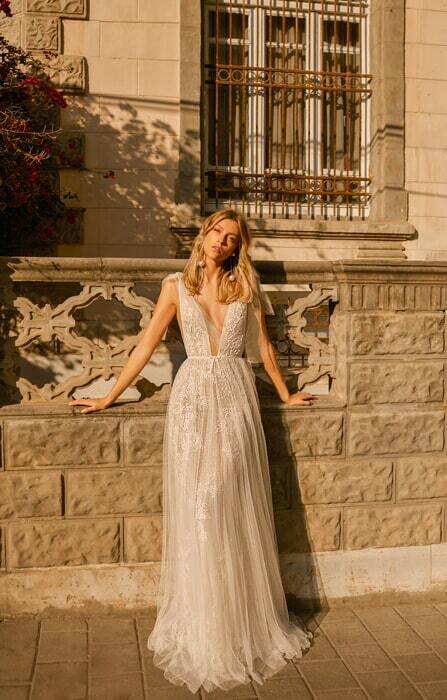 שמלת כלה קלאסית ורומנטית