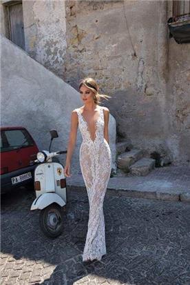 שמלות כלה מגוונות מחשוף שקופה