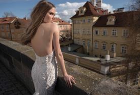 שמלת כלה דוגמת חרוזים פרחונית