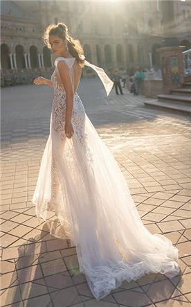 שמלת כלה מעוצבת שקפה
