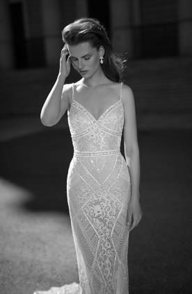 שמלת כלה מחורזת הוט קוטור
