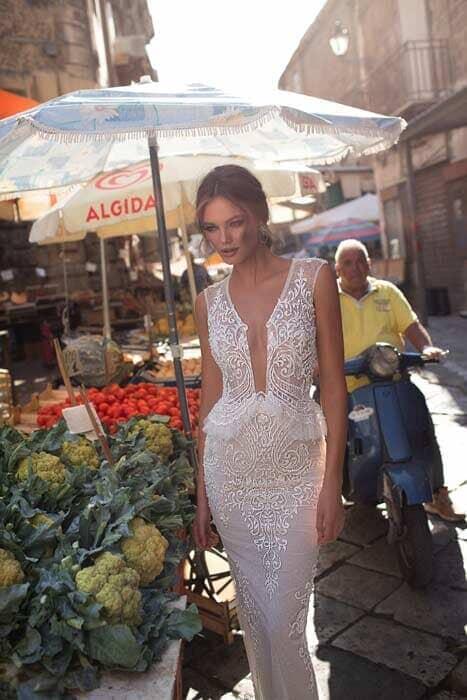 שמלות כלה מגוונות מחשוף