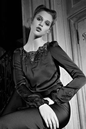 שמלת ערב שחורה שרוולים