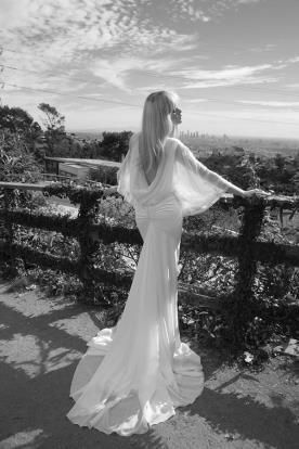 שמלת כלה רבידות בגב