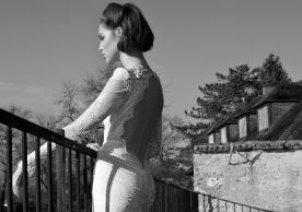 שמלת כלה גב חשוף תחרה בכתפיים