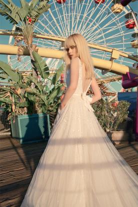 שמלת כלה ורדרדה טול ופייטים