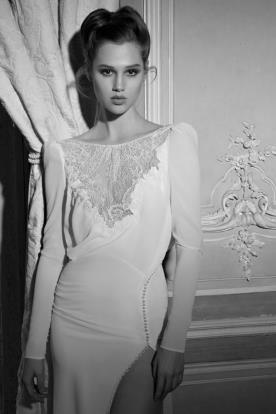 שמלת כלה שרוולי משי ושסע
