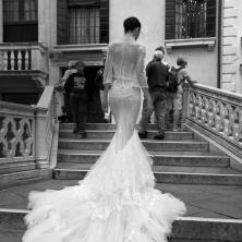 שמלת כלה עם שובל מטול