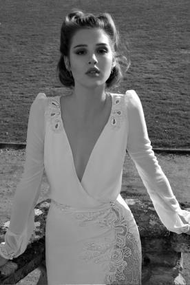 שמלת כלה כיווצים בכתפיים