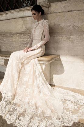 שמלת כלה צנועה שובל תחרה