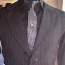 חליפת חתן עם ז'קט סגור