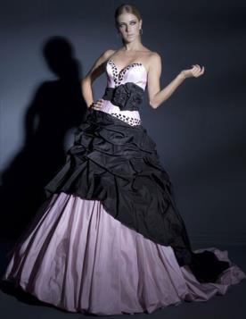 שמלה נפוחה מיוחדת לערב