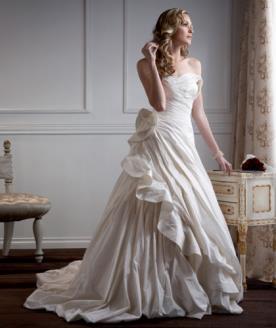 שמלת כלה נפוחה למראה מיוחד