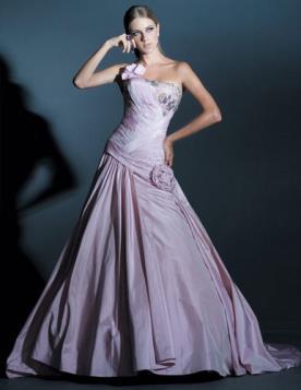 שמלת ערב נסיכתית בגוון לילך