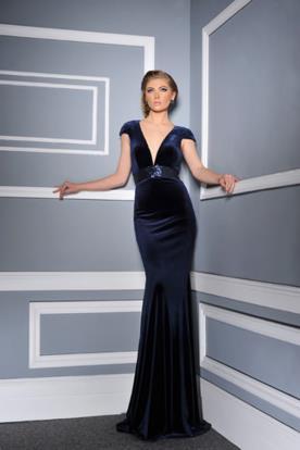 שמלת ערב מקטיפה עם חגורה