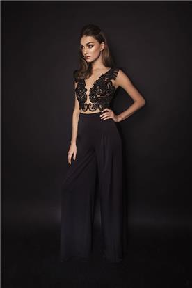 שמלת ערב שחורה בשילוב תחרה במראה ניוד