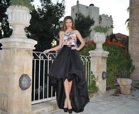 שמלת ערב עם חצאית קצרה מקדימה וארוכה מאחור