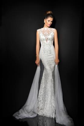 שמלת כלה עם שובל טול מנוקד