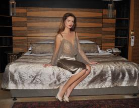 שמלת ערב בשילוב טופ שקוף