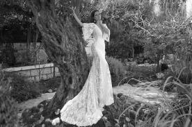 שמלת כלה מתחרה וסאטן