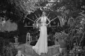 שמלת כלה קולר בשילוב תחרה במותניים
