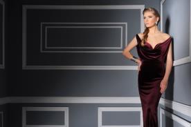 שמלת ערב בצבע בורדו מקטיפה