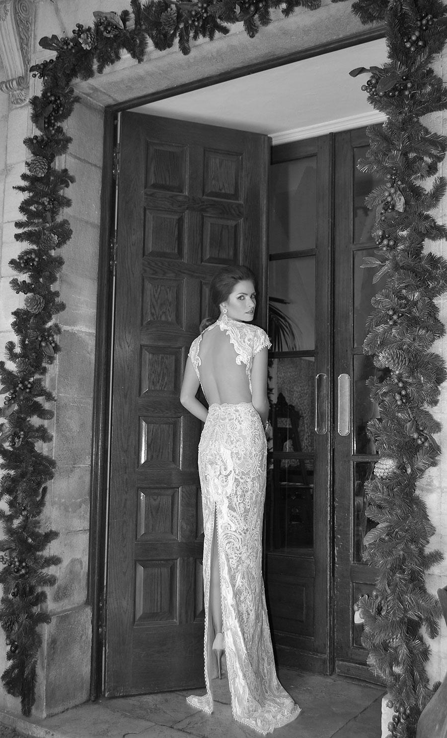 שמלת כלה עם גב חשוף ושרוול קצר