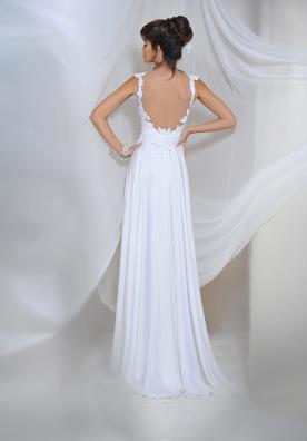 שמלת כלה קלאסית מתחרה עם גב פתוח