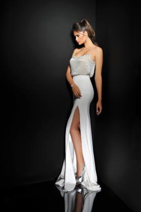 שמלת כלה עם שסע וטופ רפוי