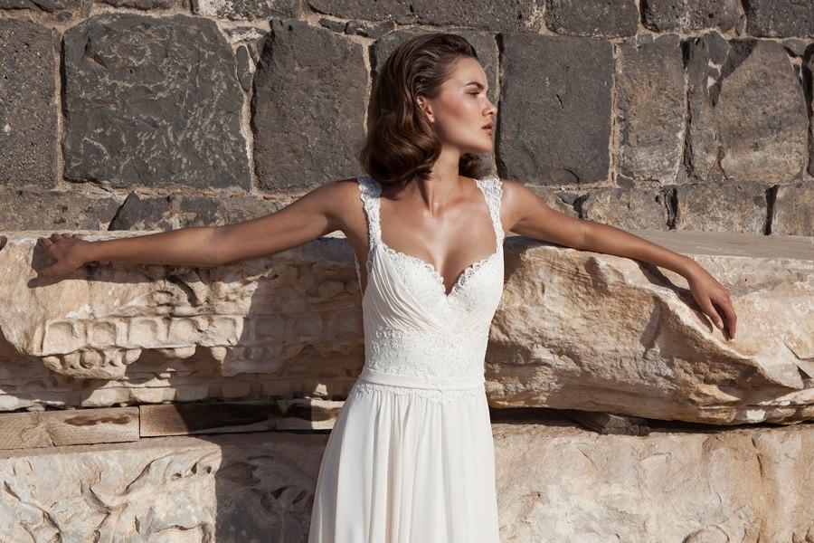שמלה פשוטה עדינה