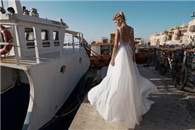 שמלת קלה עם גב חשוף עמוק