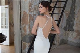 שמלת חרוזים עם גב חשוף מעניין