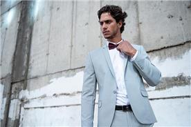 חליפת חתן: קולקציית 2018, חליפה בצבע תכלת, חליפת שלושה חלקים, חליפה בגזרה ישרה, חליפה בדוגמה חלקה - סאלינה  SALINA - חליפות חתן